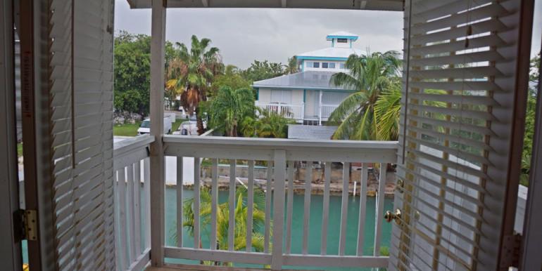 7-Jade-Dr-1-balcony