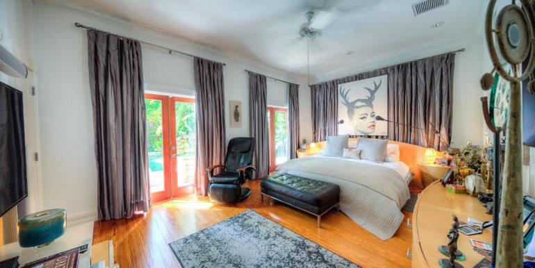 villa-mill-alley-master-suite