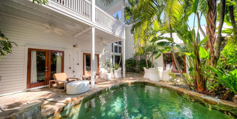 villa-mill-key-west-poolside
