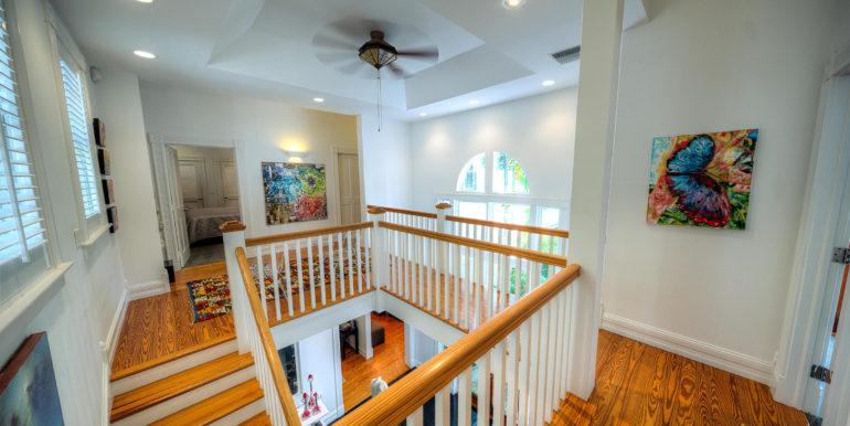 villa-mill-key-west-upstairs-hall