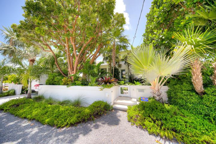 4 Coconut Drive